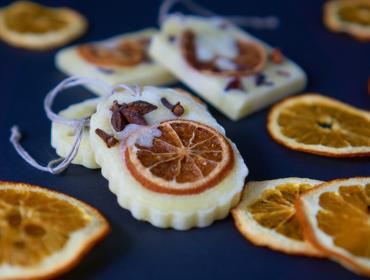 zawieszka pomarańczowa